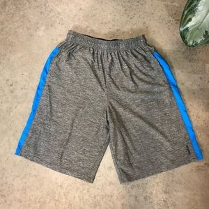 REEBOK SHORTS MENS LARGE